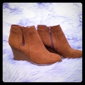 Anne Klein Retro Wedge Booties Size 7